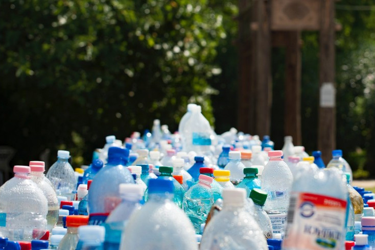 SHL Passes on Plastic